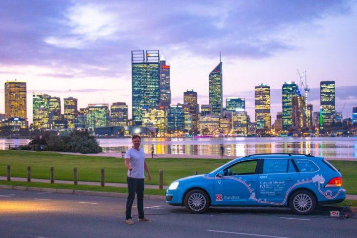 Nederlander legt 100.000 kilometer af met zijn elektrische auto naar buitenland